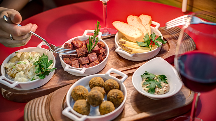 Image for Sharing Platter for Two with Wine