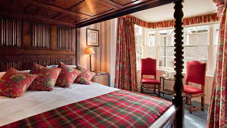 Overnight Four Poster Stay including breakfast
